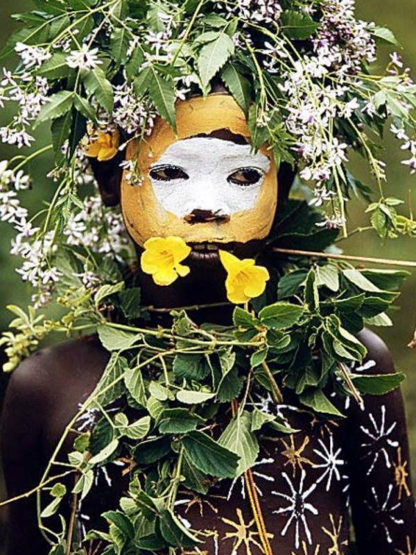 Hans Silvester Surma & Mursi tribe East Africa's Omo Valley Thejoyofplants.co.uk